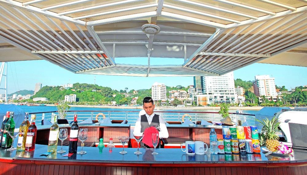 Sundeck Sky Bar